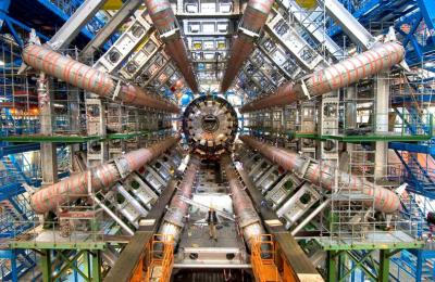 20120907031150-experimento-atlas-en-el-cern.jpg